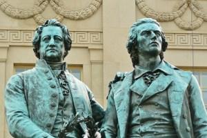 Goethe und Schiller: Aufklärer, Stürmer und Dränger, Empfindsame (Foto: cocoparisienne / pixabay.de)