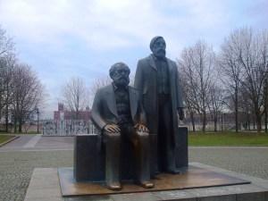 Marx und Engels (Foto: omeloc / pixabay.de)