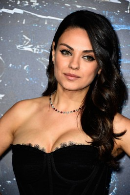 Mila-Kunis-Ashton-Kutcher-Divorce-266x400