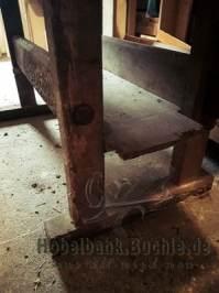 altes Untergestell mit Ablage