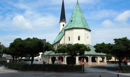 Der Geruch des Katholizismus – Kapellplatz, 84503 Altötting