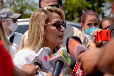 La presidenta interina de Bolivia Jeanine Áñez pidió paciencia al cierre de los comicios para esperar los resultados