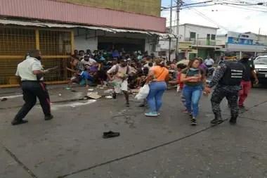 Las calles de Caracas, con saqueos por la falta de alimentos en la cuarentena