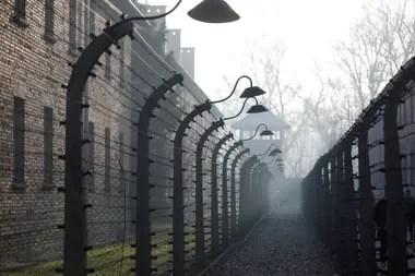 Los pasillos del campo de concentración de Auschwitz a 75 años de la liberación de los detenidos
