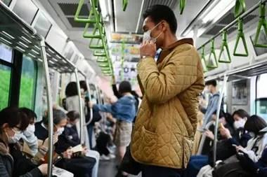Los japoneses han practicado el distanciamiento cuando están enfermos desde antes de la actual pandemia.