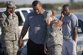 Un siquiatra de origen palestino del ejército, abrió fuego en la base de Fort Hood, Texas, matando a 13 personas e hiriendo a cerca de 30