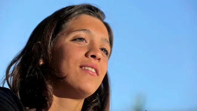 Delfina Pignatiello, bicampeona mundial juvenil de natación, asombra por su logros, su aplicación en el entrenamiento y su madurez a los 17 años, ganó el Olimpia de Oro 2017