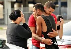Estupor y dolor, ayer, entre los familiares y amigos de las víctimas de la masacre en Orlando