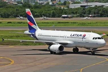 Latam flexibilizó las condiciones de cambio para pasajes sacados entre el 6 y el 22 de marzo