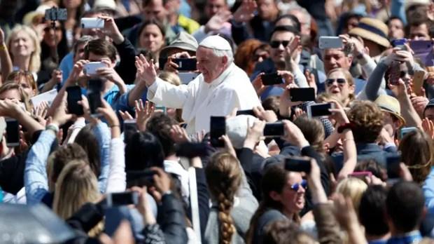 """Francisco, en Pascuas: """"Que Dios ayude a quienes luchan contra la corrupción"""""""