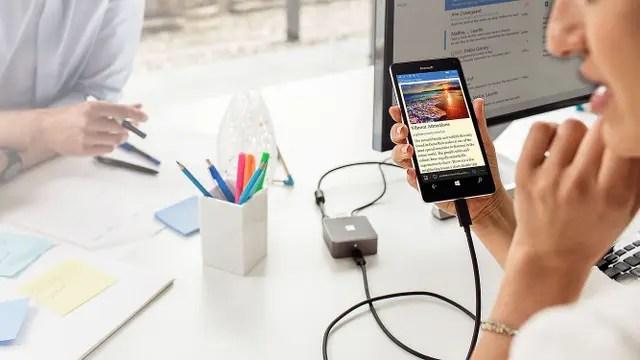 Los nuevos Lumia se conectan a un adaptador para funcionar como PC tradicionales