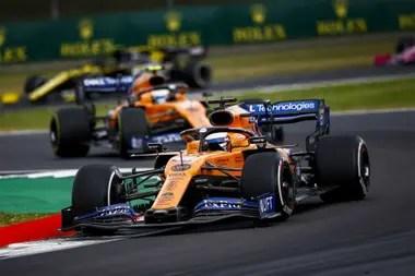 Los pilotos Carlos Sainz y Lando Norris, de McLaren, ensayaron una rebaja voluntaria de sus salarios para que el equipo afronte la situación de crisis