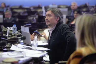 Máximo Kirchner cuestionó el acuerdo que habilitó suspensiones en la fábrica Mondelez