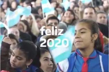 El spot apunta a la unidad de los argentinos pero la leyenda que lo presenta habla de