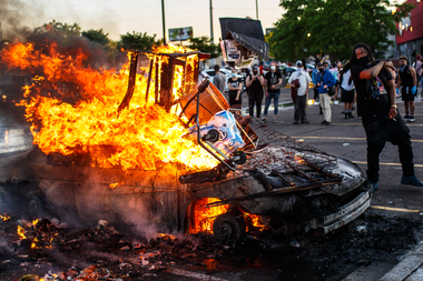 The protesters set fire to a vehicle in the third day of protests over the death of George Floyd in the hands of the police