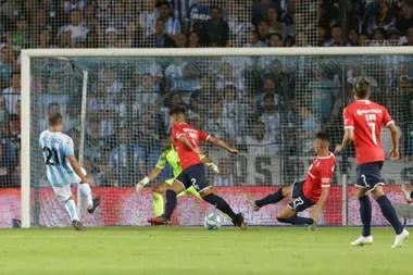 El gol del chileno Díaz dejó KO a Independiente en el clásico