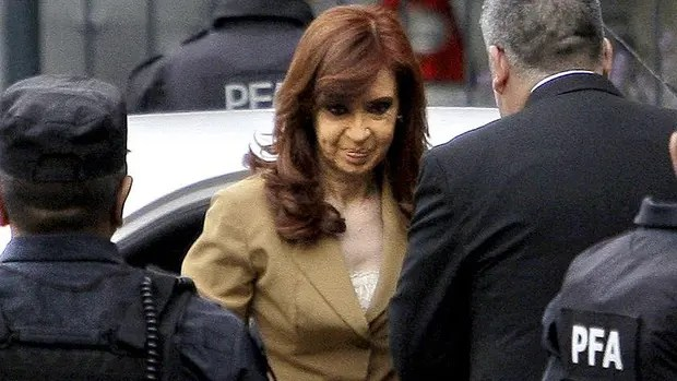 "Prosecutor Marijuan asked to investigate Cristina Kirchner in the case for ""the route of money K"""