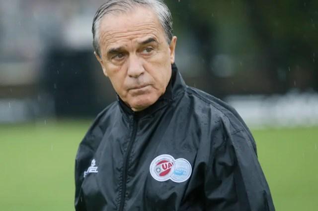 """Roberto Saporiti: """"Sigo en el fútbol para demorar un poco la ..."""