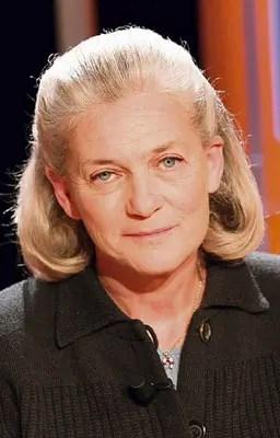 """Badinter: """"Hace mucho que Francia está lista para tener una presidenta"""""""