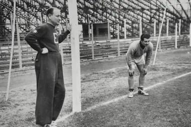Emérico Hirschl en un entrenamiento en San Lorenzo.