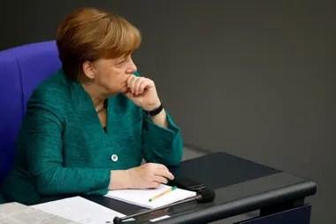 Con el aval del gobierno de Merkel, la empresa ya tiene a miles de empleados trabajando con jornada reducida