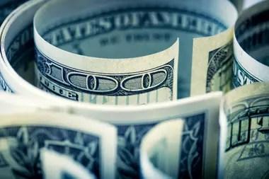 Mientras tanto, el dólar blue se mantuvo estable a $77