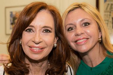 Cristina Kirchner y la senadora María de los Ángeles Sacnun, que puso límites en público a las expectativas de Daniel Rafecas