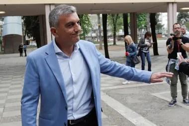 """El opositor Mladen Bojanic se comprometió a seguir luchando contra Djukanovic y lo describió como """"el hombre que tiene como rehén a Montenegro y sus instituciones""""."""