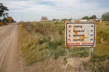 Un cartel en la ruta que lleva a Timote