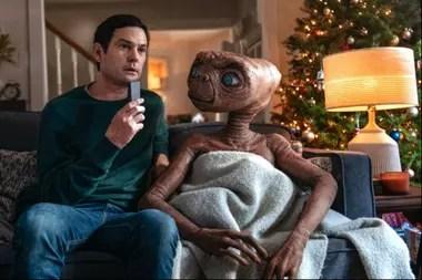 Un esperado reencuentro: Elliot (Henry Thomas) y E.T.