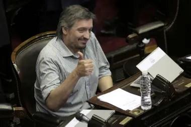 Máximo no es el chico de la Play, pero está lejos de diferenciarse de Cristina Kirchner