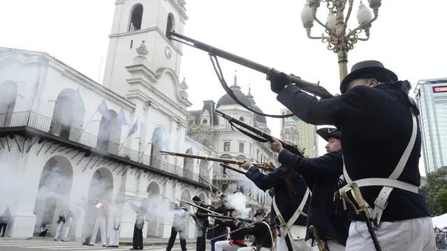 Recreación de las invasiones inglesas en los festejos por el Bicentenario. Foto: DyN