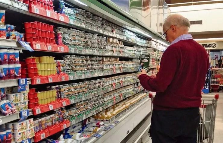 Los consumidores siguen buscando ahorros en sus compras
