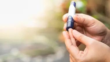 Para medir el azúcar en sangre, generalmente hace falta pincharse; Glucoar propone un medidor sin pinchazos