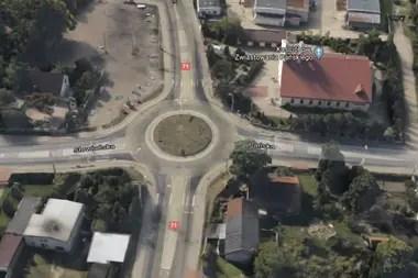 Vista aérea del lugar del accidente, el auto cruzó de izquierda a derecha