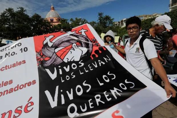 Siguen las protestas para pedir por los estudiantes