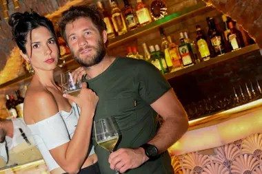 Noche romántica. Nico Riera y su novia degustaron cebiche en Tigre Morado