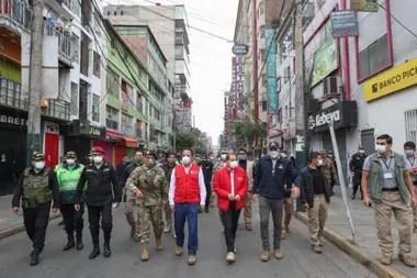 Las autoridades de Perú decidieron cercar un barrio de Lima