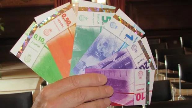 Los municipios impulsan las monedas