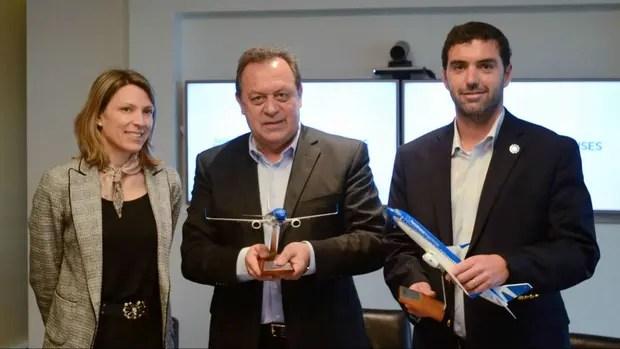 El Ministerio de Turismo y la Anses firmaron un convenio con Aerolíneas