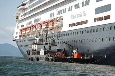 Los cruceros dejaron varados a miles de turistas en todo el mundo y los contagios se propagaron en los barcos; el turismo, que mueve el 10% de la economía mundial, una de las actividades más afectadas
