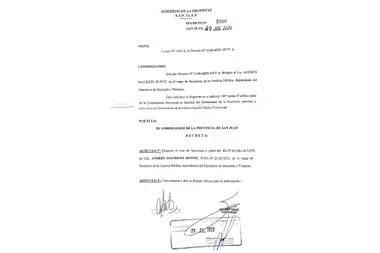 Decreto mediante el cual el gobernador Sergio Uñac decidió echar a un funcionario