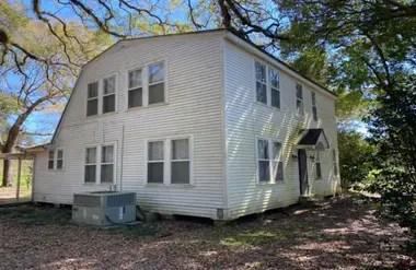 Después de que las historias de fantasmas se difundieran, el interés de la casa disminuyó