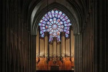 Esta foto de archivo tomada el 1 de febrero de 2004 muestra el órgano de la catedral, uno de los más famosos del mundo