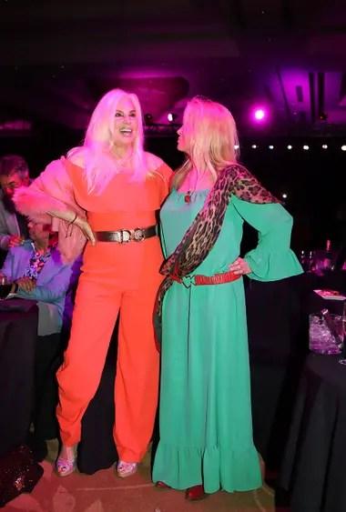 Madre e hija se divirtieron en una noche que combinó cabaret y casino