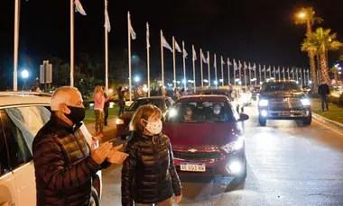 En Tigre una caravana de autos se manifestó contra la cuarentena