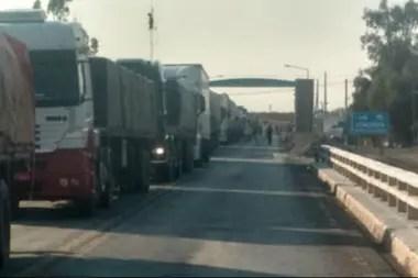 Los productores permiten que el transporte de carga pueda circular