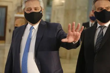 Alberto Fernández prepara una batería de medidas para enfrentar el golpe que sufrieron las empresas por la pandemia y la cuarentena