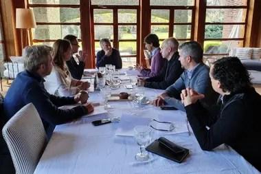 Lacunza llevó ayer sus propuestas a Macri y a la mesa política