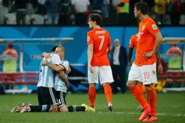 Y Sergio Romero se convirtió en héroe, nomás...